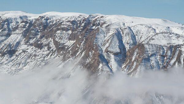 Горы в Таджикистане, архивное фото - Sputnik Таджикистан