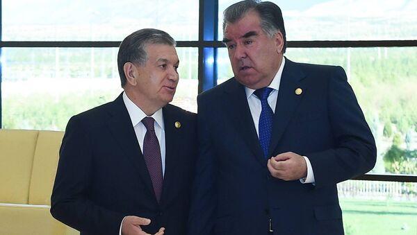 Президент РТ Эмомали Рахмон и президент Узбекистана Шавкат Мирзиеев, архивное фото - Sputnik Таджикистан