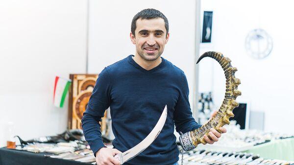 Фатхиддин Насимов - генеральный директор компании ETHNOS WORLD по производству изделий таджикских мастеров - Sputnik Таджикистан