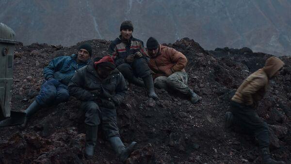 Рабочие горняки, архивное фото - Sputnik Таджикистан