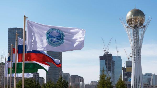 Эмблема ШОС, архивное фото - Sputnik Таджикистан