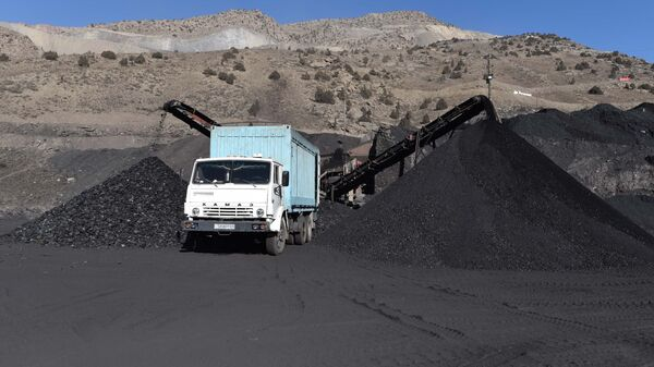 Добыча угля в Таджикистане, архивное фото - Sputnik Таджикистан