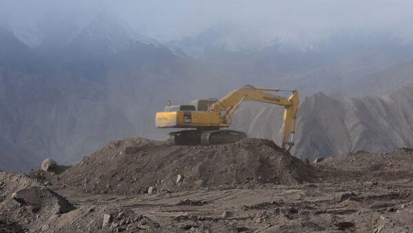 Добыча полезных ископаемых, архивное фото - Sputnik Таджикистан