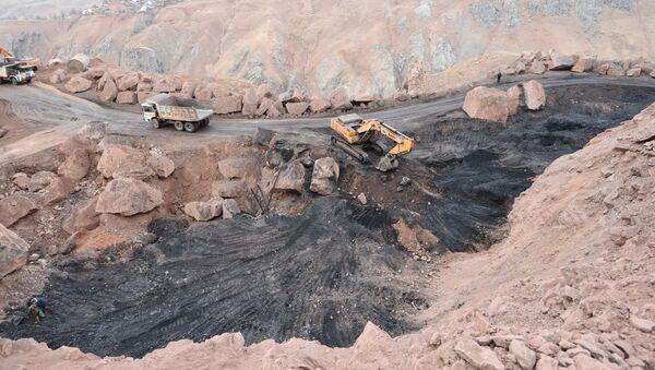 Угольное месторождение в Зиддах, архивное фото - Sputnik Таджикистан