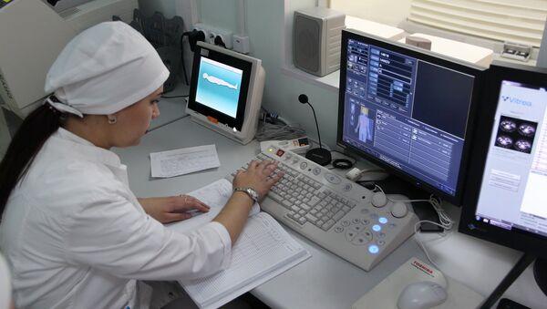 Магнитно-резонансная томография в 451-м военном госпитале в Таджикистане - Sputnik Тоҷикистон