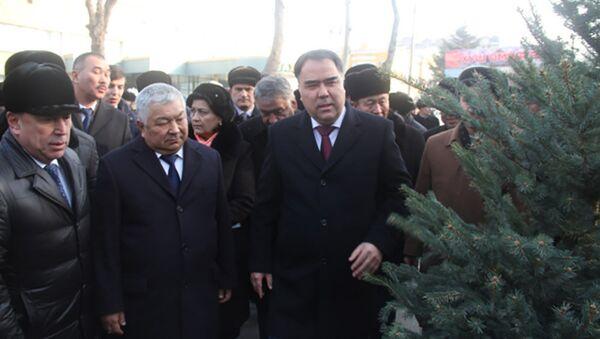 Раджаббой Ахмадзода на празднике Сада в Худженте - Sputnik Таджикистан
