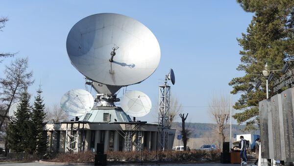 Спутниковая тарелка, архивное фото - Sputnik Таджикистан