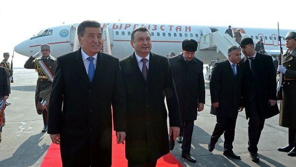Президент Кыргызстана и премьер министр Таджикистана, архивное фото - Sputnik Тоҷикистон