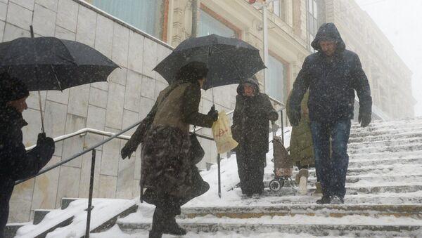 Снегопад в Москве, архивное фото - Sputnik Таджикистан