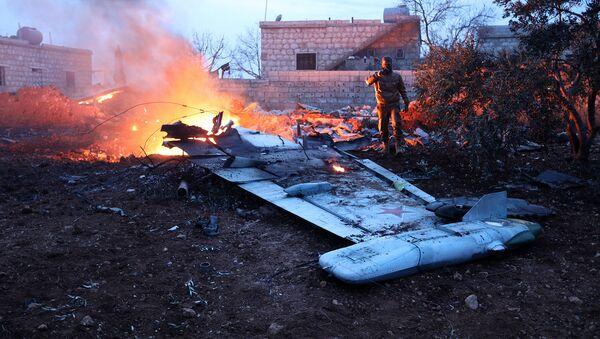 Обломки сбитого СУ-25 российских ВВС в Сирии - Sputnik Таджикистан