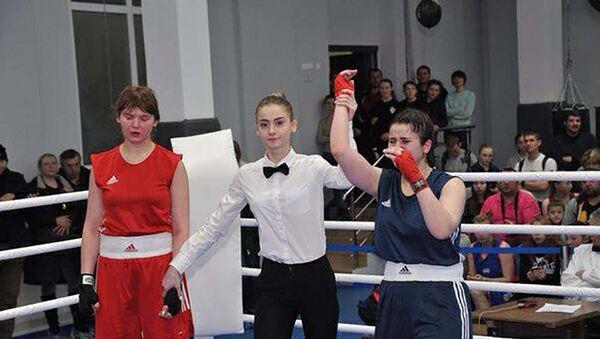 Лолабегим Мемоншоева заняла первое место на чемпионате Москвы по боксу - Sputnik Тоҷикистон