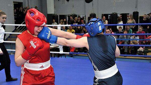Лолабегим Мемоншоева заняла первое место на чемпионате Москвы по боксу - Sputnik Таджикистан