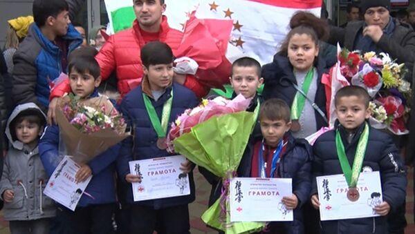 Таджикские каратисты привезли медали из Казахстана - Sputnik Тоҷикистон