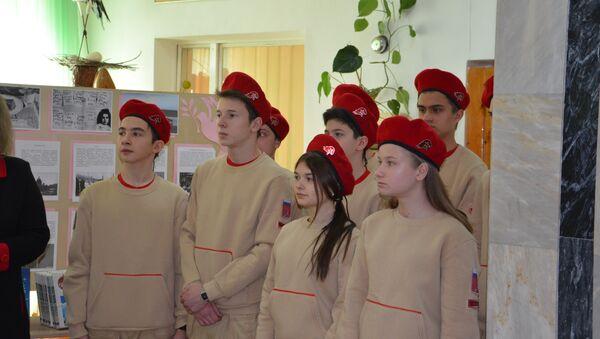 Волонтеры Юнармия в Таджикистане - Sputnik Таджикистан