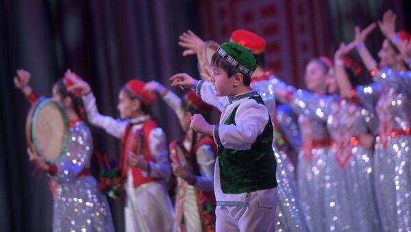 Фестиваль искусств в честь Алмазного Юбилея Ага-Хана IV Юбилейное творчество - Sputnik Таджикистан