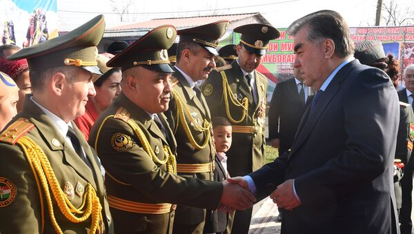 Президент Таджикистана Эмомали Рахмон открыл Центр управления Вооруженными силами Республики Таджикистан - Sputnik Тоҷикистон