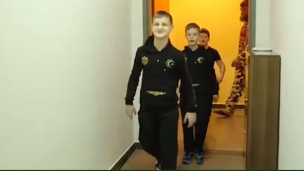 Сыновья Кадырова ответили казахстанскому мальчику, вызвавшему их на бой - Sputnik Тоҷикистон
