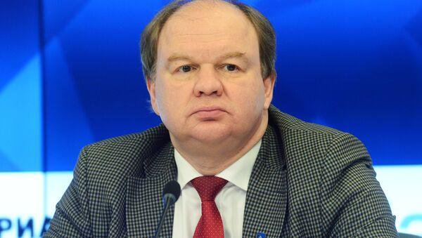 Доцент кафедры европейского права МГИМО МИД России Николай Топорнин - Sputnik Таджикистан