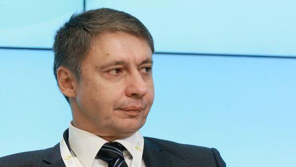 Проректор по развитию Академии труда и социальных отношений Александр Сафонов - Sputnik Таджикистан