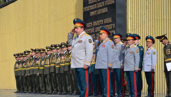 Празднование Дня защитника Отечества и 25-ой годовщины образования вооружённых сил Таджикистана - Sputnik Таджикистан
