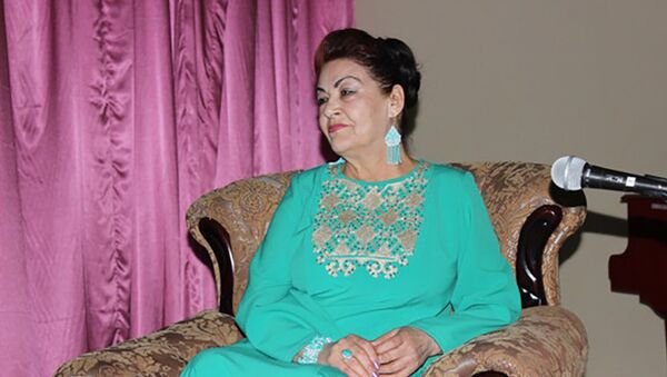 Таджикская актриса Савринисо Сабзалиева, архивное фото - Sputnik Тоҷикистон