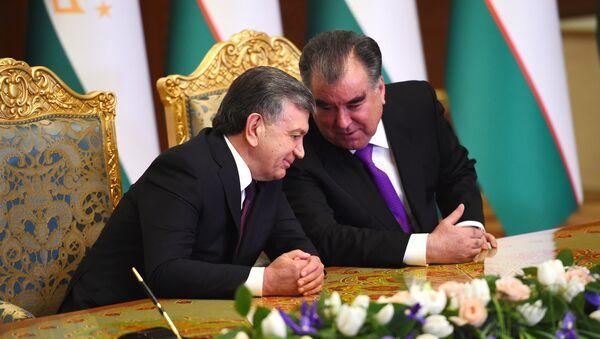 Президент Узбекистана Шавкат Мирзиёев и президент Таджикистана Эмомали Рахмон - Sputnik Тоҷикистон