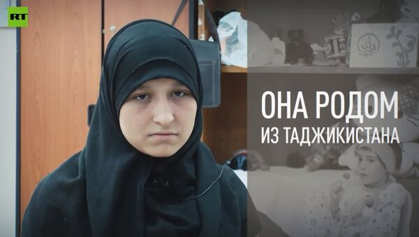 16-летняя вдова боевика вынуждена ухаживать за пятью детьми: RT ищет родственников - Sputnik Таджикистан