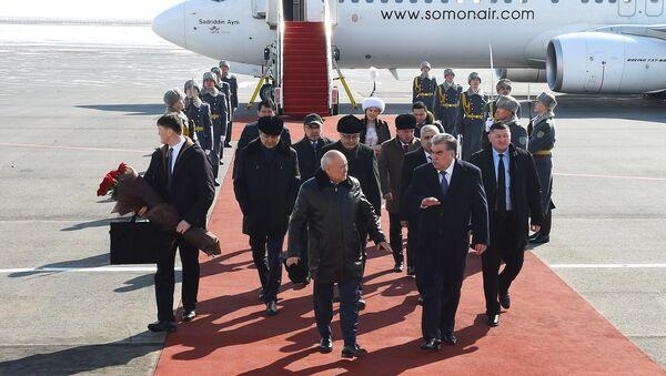 Визит Эмомали Рахмона в Астану на переговоры с президентом Казахстана Нурсултаном Назарбаевым - Sputnik Таджикистан
