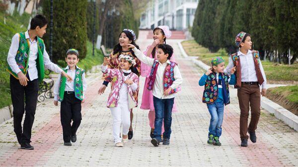 Узбекистанцы во время праздника - Sputnik Таджикистан