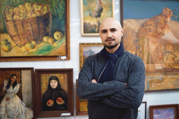 Художник Махтобшо Майбалиев, архивное фото - Sputnik Таджикистан