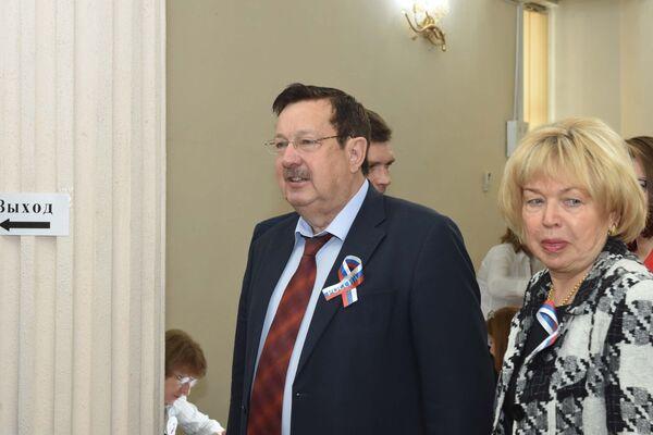 Посол России в Таджикистане Игорь Лякин-Фролов с супругой - Sputnik Таджикистан