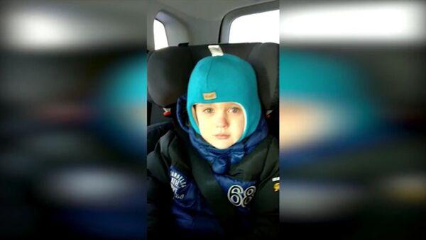 Мальчик в Новосибирске расплакался из-за того, что не увидел дядю Путина - Sputnik Тоҷикистон