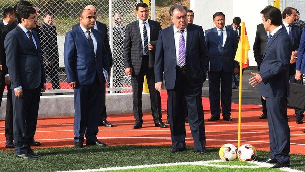 Эмомали Рахмон открыл в Душанбе новый стадион - Sputnik Таджикистан
