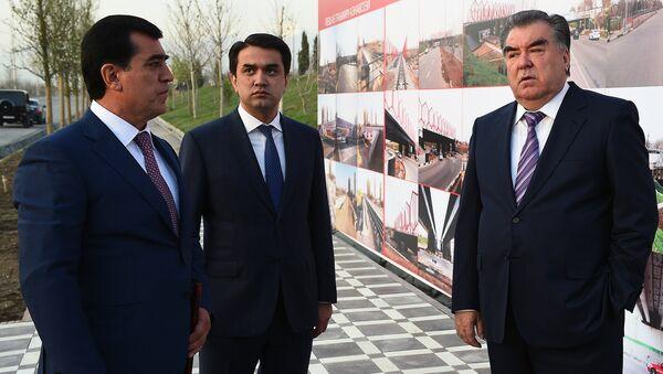 Президент Эмомали Рахмон и мэр города Душанбе Рустам Эмомали, архивное фото - Sputnik Таджикистан