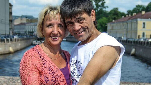 Актер Баймурат Аллабердиев Таджик Джимми со своей женой Людмилой Минько, архивное фото - Sputnik Тоҷикистон