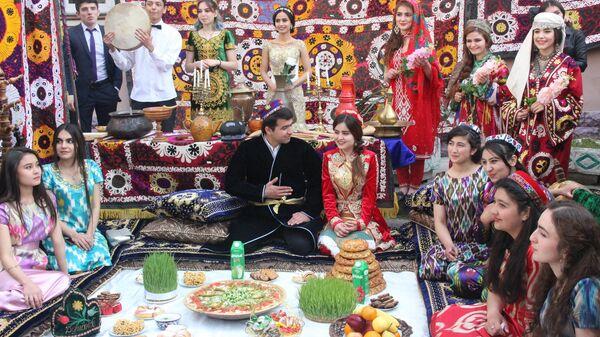 Празднование Навруза в Российско-Таджикском Славянском университете, архивное фото - Sputnik Тоҷикистон