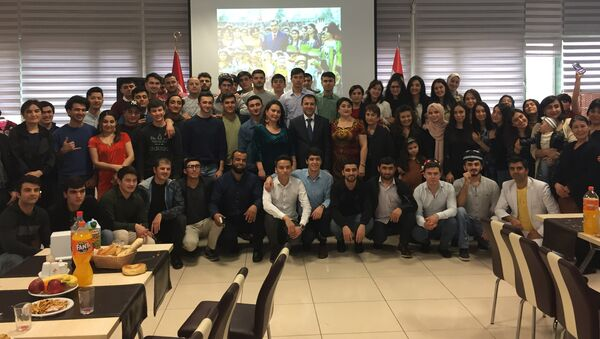 Таджикские студенты в Стамбуле праздновали Навруз, архивное фото - Sputnik Тоҷикистон