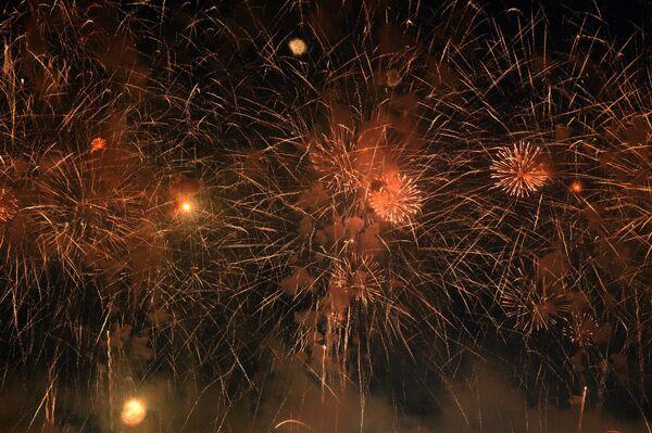 Салют в Душанбе на празднике Навруз - Sputnik Таджикистан