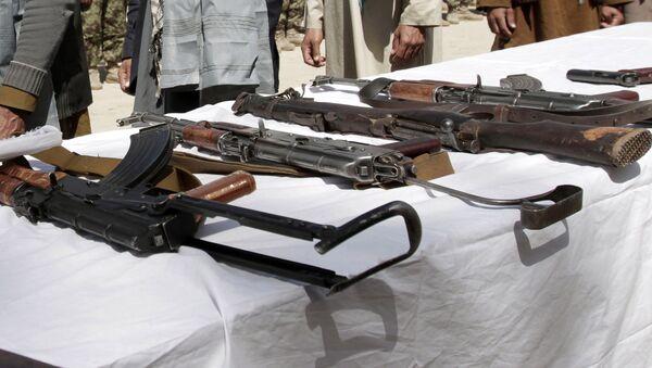 Оружие, архивное фото - Sputnik Таджикистан