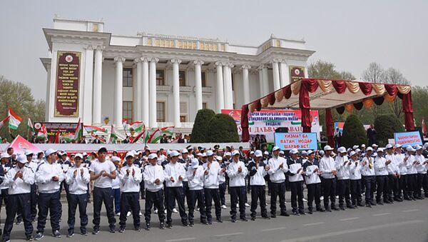Торжественные проводы призывников в армию - Sputnik Таджикистан