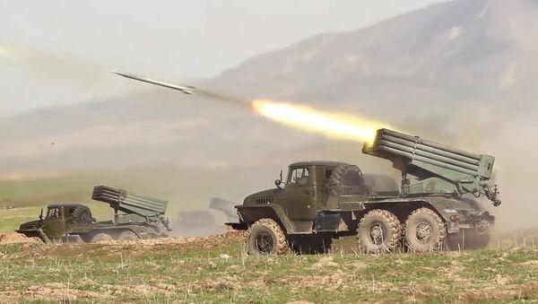 Учения в горах подразделений российской военной базы в Таджикистане - Sputnik Таджикистан