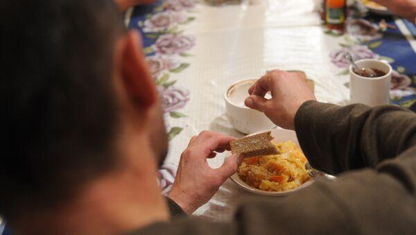Обед в столовой - Sputnik Таджикистан