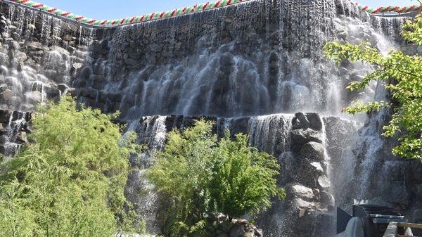 Водопад в Наврузгох, архивное фото - Sputnik Тоҷикистон