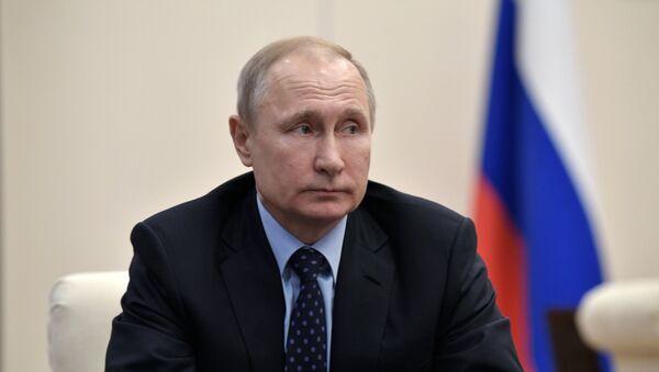 Президент РФ В. Путин, архивное фото - Sputnik Тоҷикистон