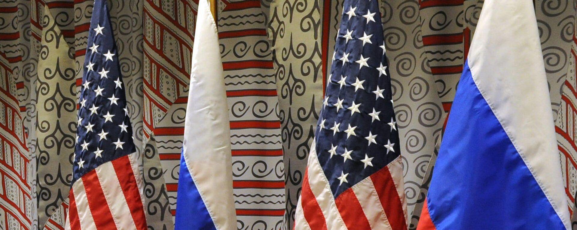 Флаги России и США - Sputnik Таджикистан, 1920, 08.02.2021