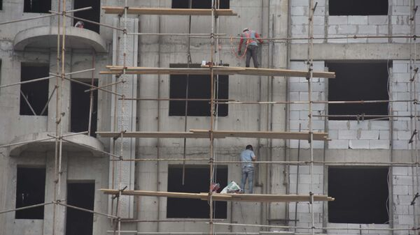 Строительство новых домов в Душанбе, архивное фото - Sputnik Тоҷикистон