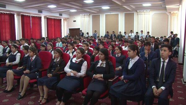 В школах Душанбе милиция провела воспитательные часы - Sputnik Таджикистан