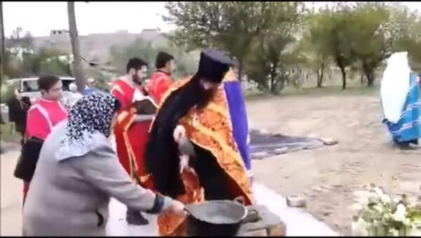 Митрополит Ташкентский Викентий заложил камень основания на месте постройки православной часовни в городе Пенджикенте - Sputnik Таджикистан