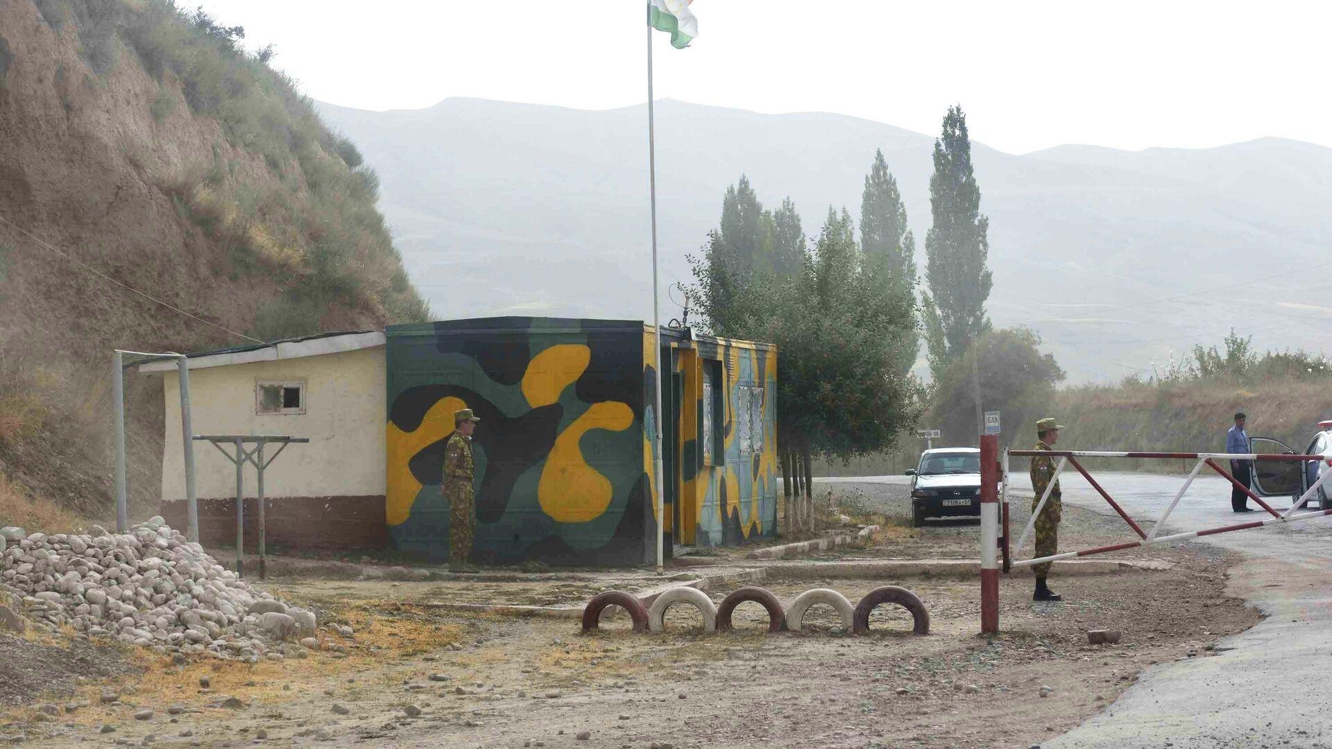 Пограничный пост между Таджикистаном и Афганистаном, архивное фото - Sputnik Тоҷикистон, 1920, 19.05.2021