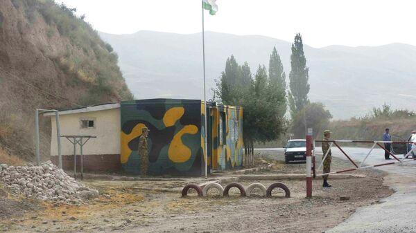 Пограничный пост между Таджикистаном и Афганистаном, архивное фото - Sputnik Таджикистан